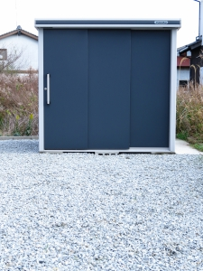 YODOKO エルモ 防草シート+砕石敷き