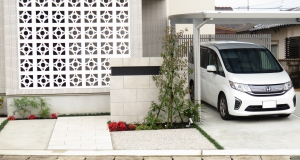 門塀とアプローチ周りの植栽