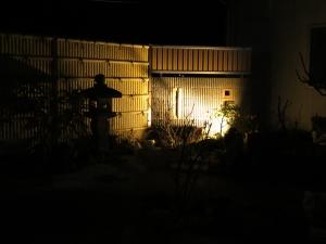 門塀は間接照明