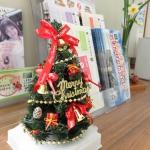 ささやかですが、クリスマスツリーです。