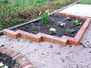 レンガで作った花壇
