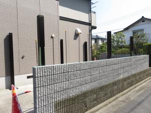 ブロック塀 鉄筋
