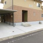 駐車場を整備する工事を施工させて頂きました。